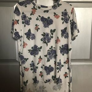 Floral tee with slits